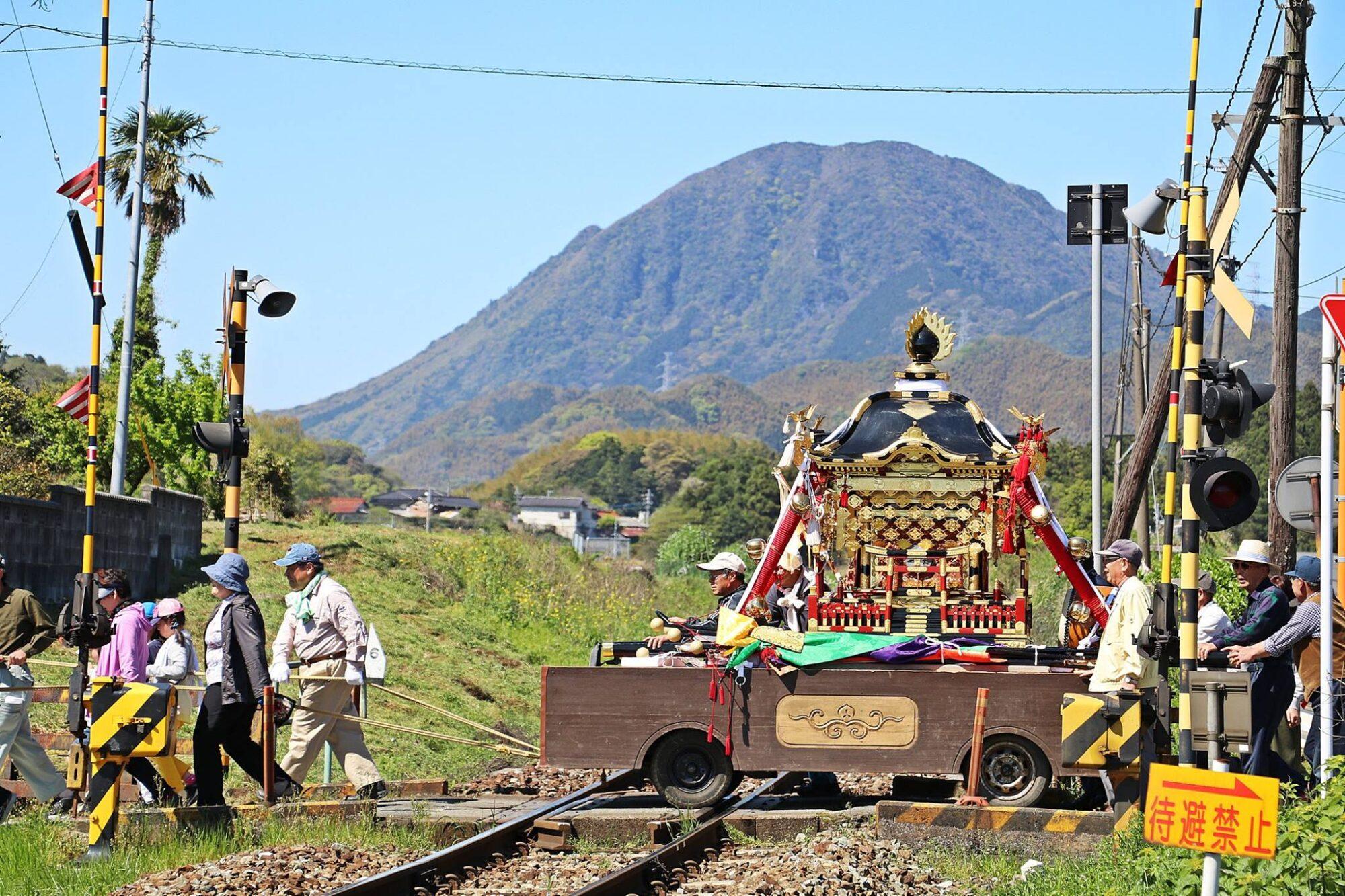 鶴岡⼋幡神社 神幸祭