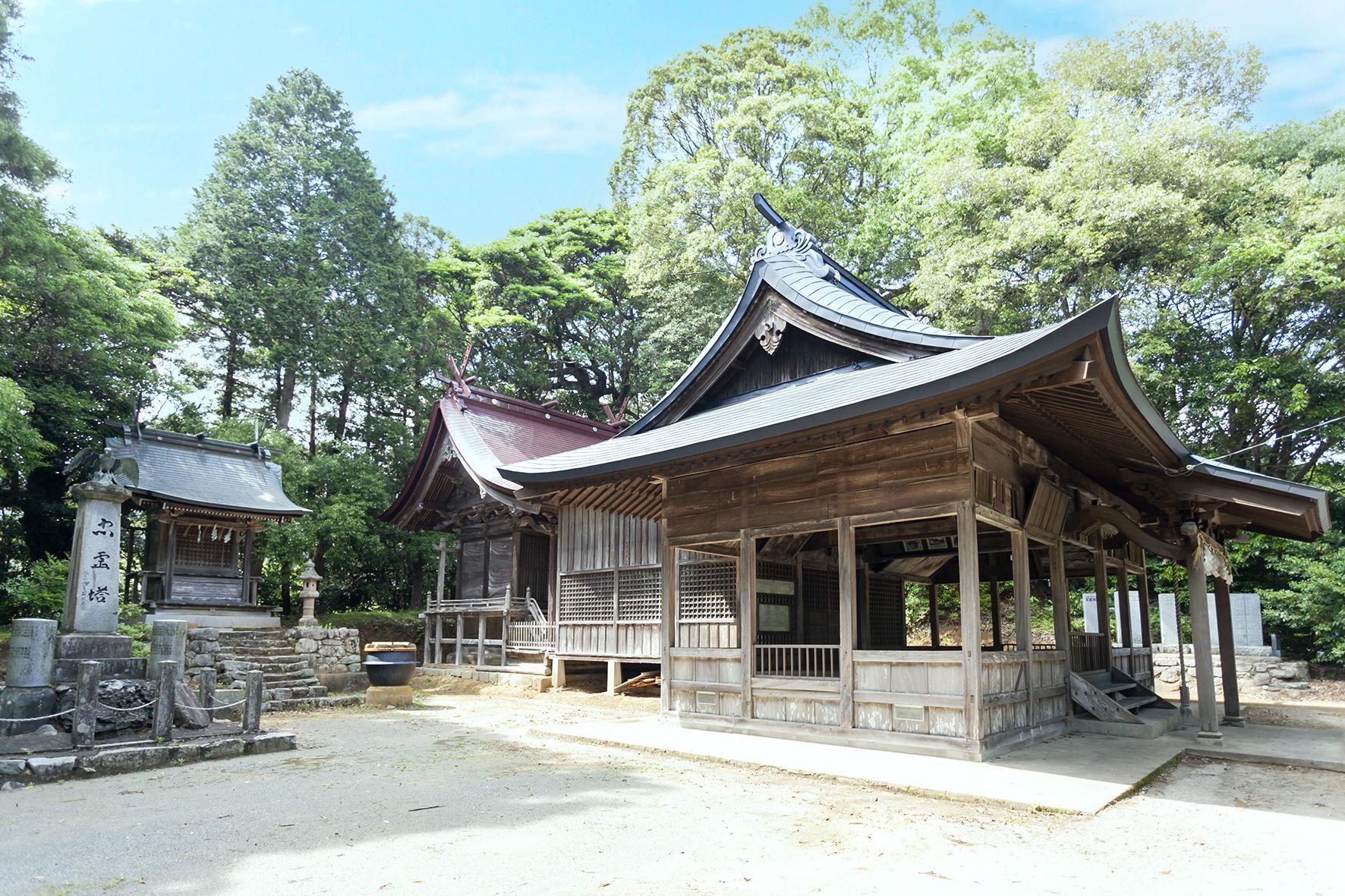 古宮⼋幡神社