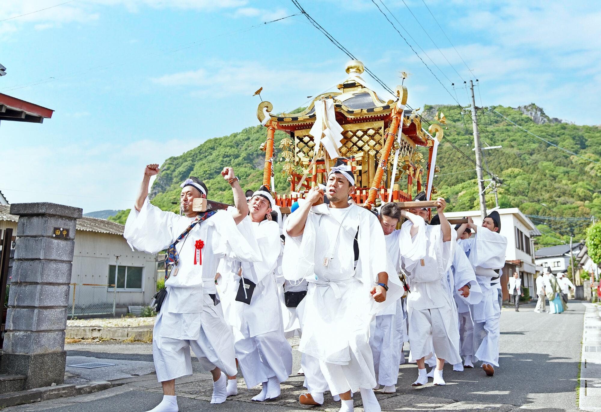 香春神社の神幸祭